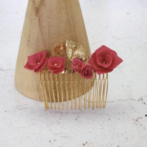 Broche cheveux  fleurs de porcelaine fuchsia