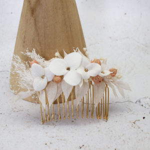 Broche cheveux  fleurs séchées et porcelaine