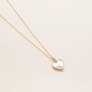 Collier petit coeur en nacre